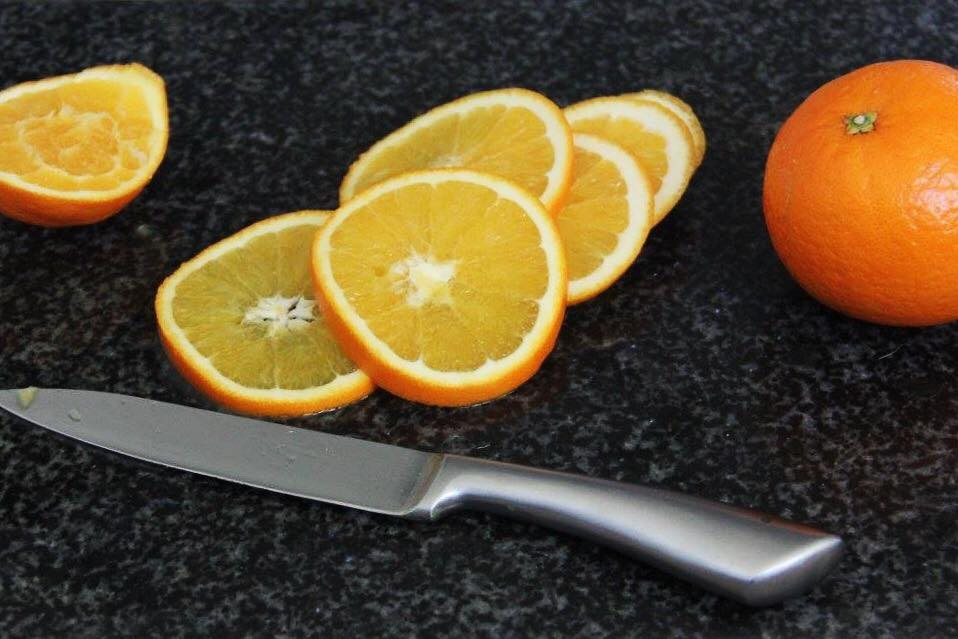 Cut the oranges about 1/2 inch thick.