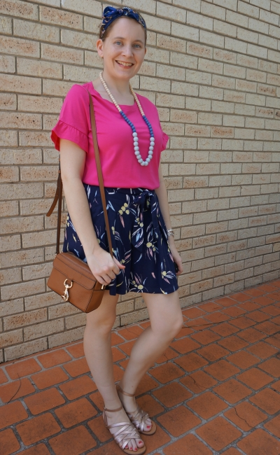 navy printed culottes, pink frill sleeve tee mab camera bag hair scarf in bow | awayfromblue