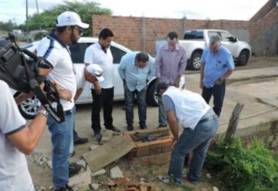 Em Cacimbinhas e Major Izidoro, fiscalização da Casal encontra furtos de água e 8 pessoas são detidas