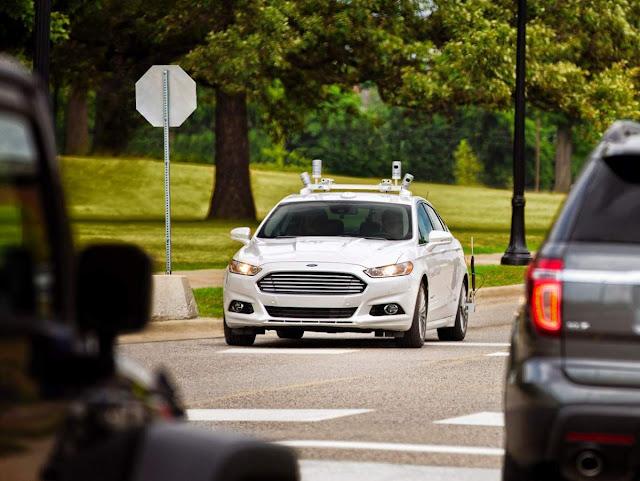Ford Fusion 2016 - autônomo
