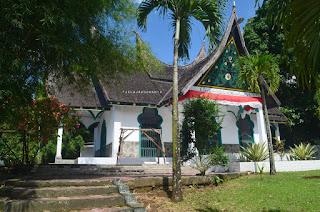 Makam Tuanku Imam Bonjol di Lotta, Pineleng, Minahasa, Sulawesi Utara +Jelajahsuwanto
