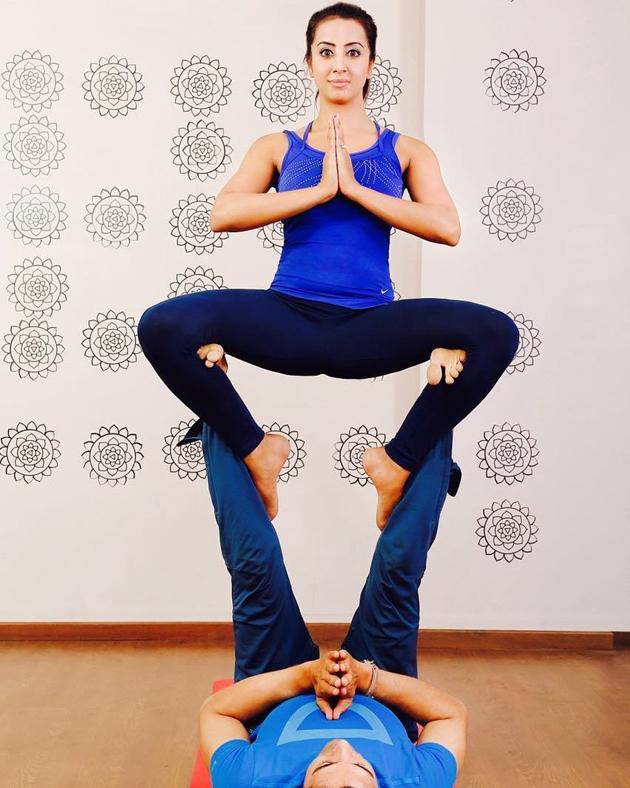 Sanjana Galrani Shared Hot Yoga Pose