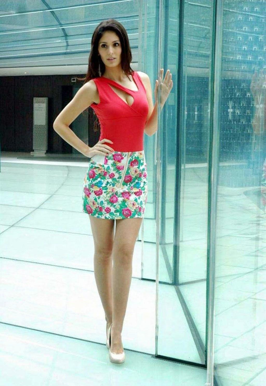 Bruna abdullah hot back bruna abdullah in short dress bruna abdullah - Bruna Abdullah In Red Top Hot Spicy Stills