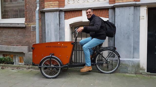 bici curiosa amsterdam