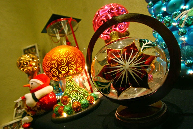 elaboración de esferas navideñas