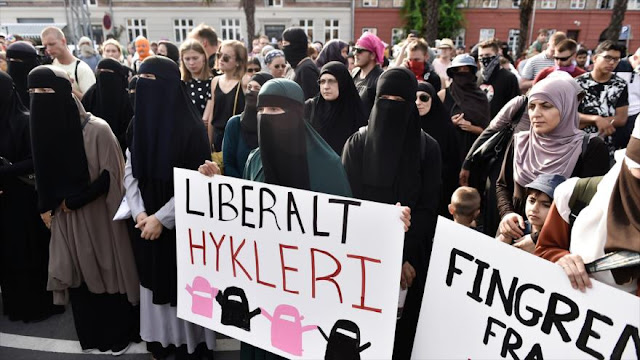 Dinamarca multa por primera vez a una mujer por el velo islámico