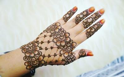 Simple Mehndi designs fingers