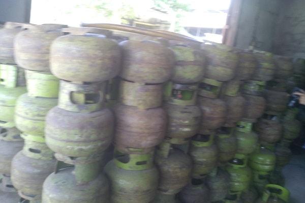 Ibu-Ibu Mulai Kesulitan Mendapatkan LPG 3kg Bersubsidi di Wilayah Kota Sekadau