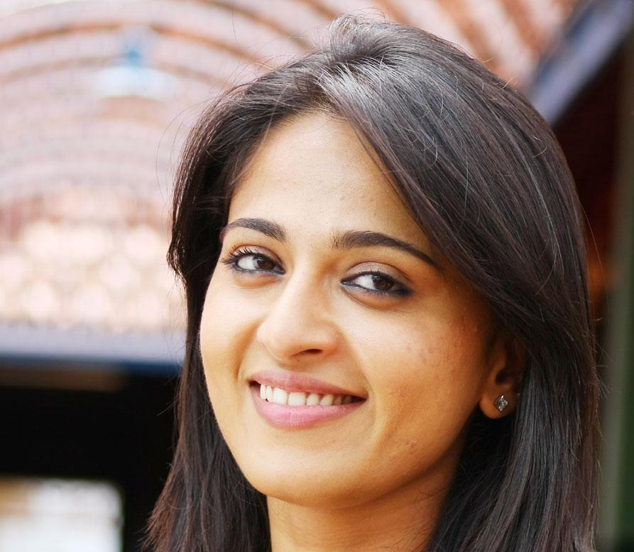 Anushka Shetty Unseen Close UP Face Photos
