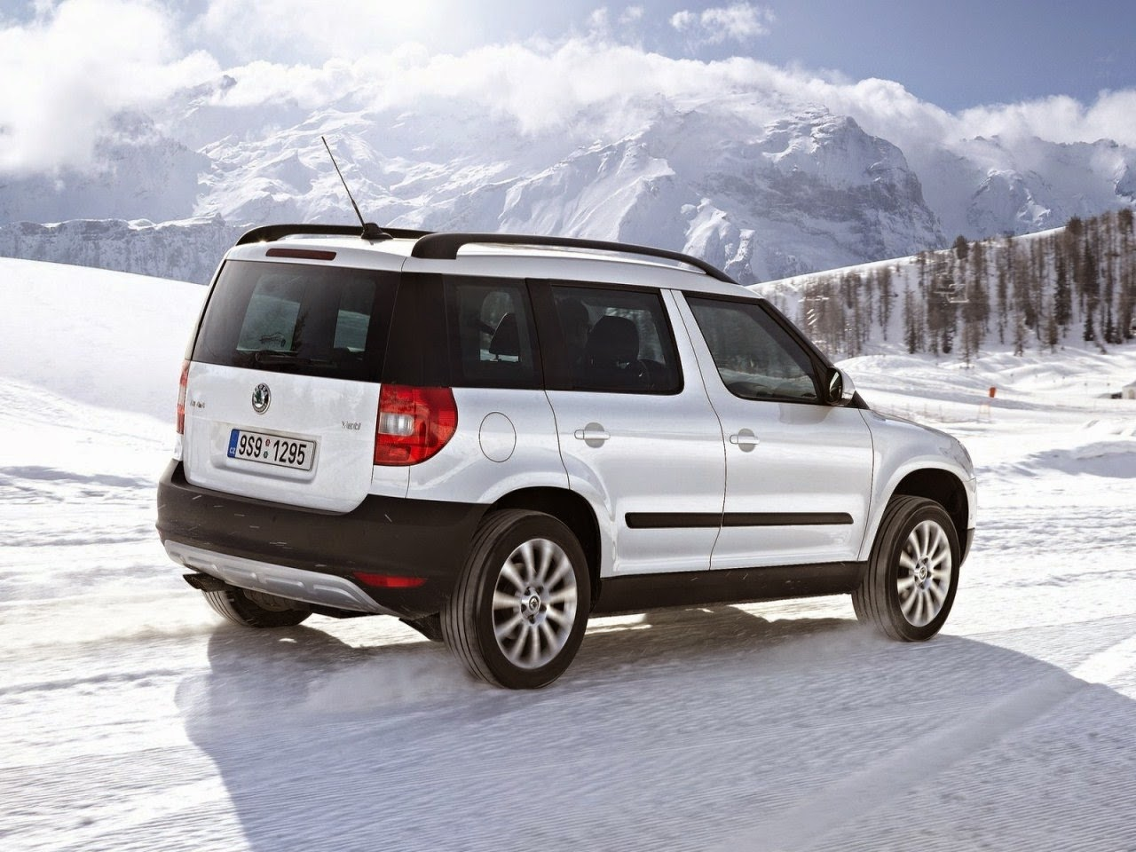 2015 skoda yeti pictures car features pictures prices review. Black Bedroom Furniture Sets. Home Design Ideas