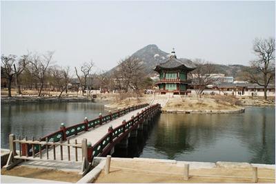 พระตำหนักฮานวอนจอง (Hyangwonjeong) / พระราชวังเคียงบก (Gyeongbokgung Palace)