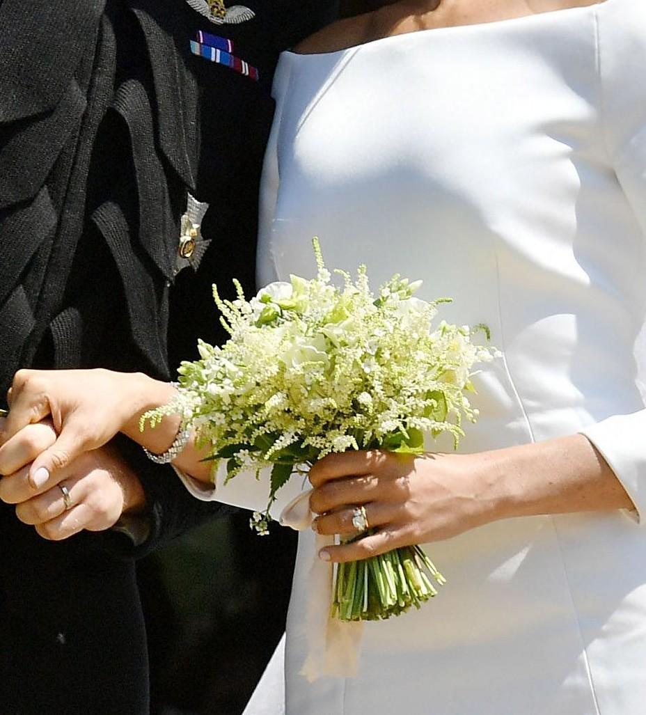 The c e florals blog what a florist thinks about meghan markels but i totally understand one thing and that is its the brides choice and the thoughts behind the bouquet had meaning to her and prince harry and thats izmirmasajfo