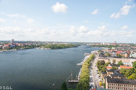 Lago Malaren visto desde la torre del ayuntamiento de Estocolmo
