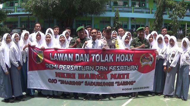 Pelajar Kediri tegas deklarasikan anti hoax