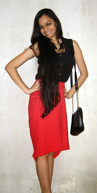 red skirt, christmas outfits, black shirt, thrift, thrifty shopping, vile parle street shopping, vile parle, mumbai fashion