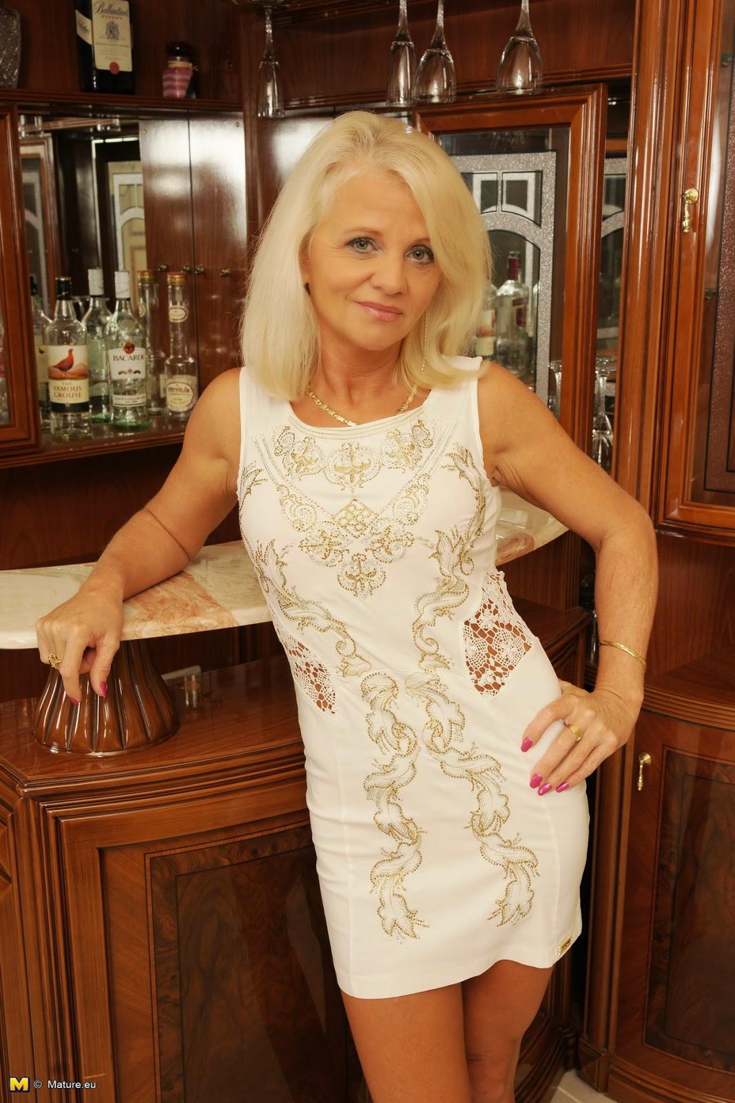 Granny Blonde Pics