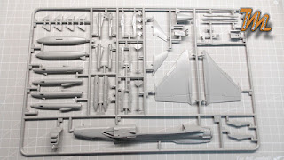 SAAB JAS-39 Gripen A, Italeri 1/72 plastic scale model kit Nr. 008 - inbox review