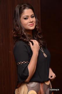 Anchor-Shilpa-Chakravarthy-New-Stills