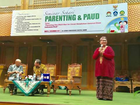 "Nursyahbani dalam Seminar Parenting dan PAUD: ""Di Indonesia terdapat 40 Perceraian per-Jam"""