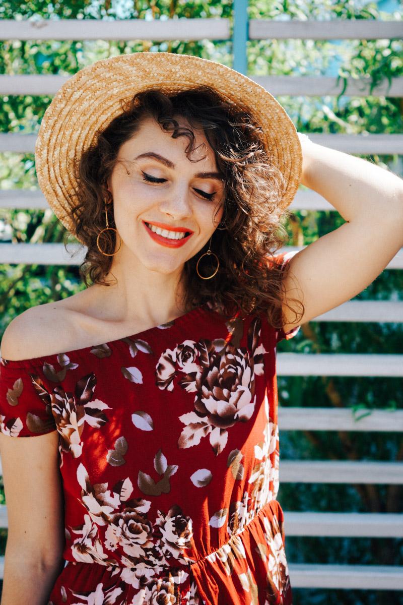 макияж со стрелками красная помада