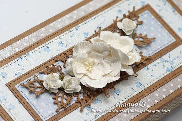 białe kwiaty z papieru