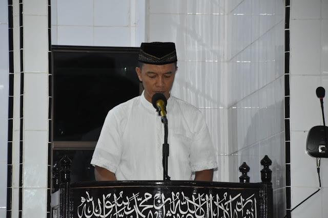Danrem 141/Tp Peringati Nuzulul Qur'an Bersama Warga Sekitar Makorem