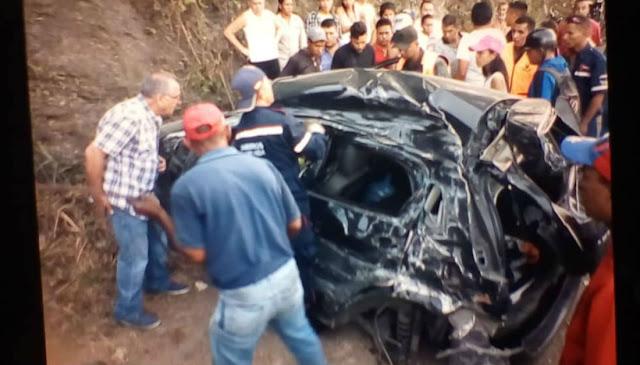 Tres vehículos se chocaron en la ARC y dejaron un muerto - Nuestras vías están colapsadas
