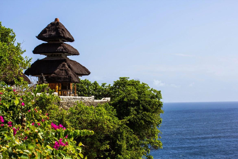 Wisata di Bali - Pura Uluwatu