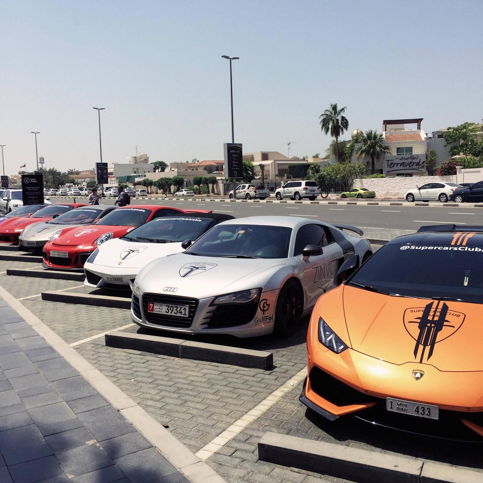 Dubai Desert Blogger: CRAZY SUPERCARS LINE UP IN DUBAI