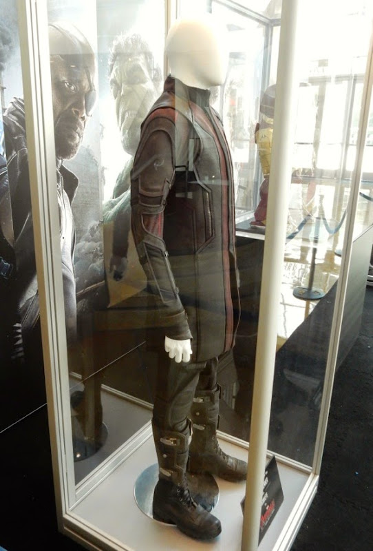 Hawkeye film costume Avengers: Age of Ultron