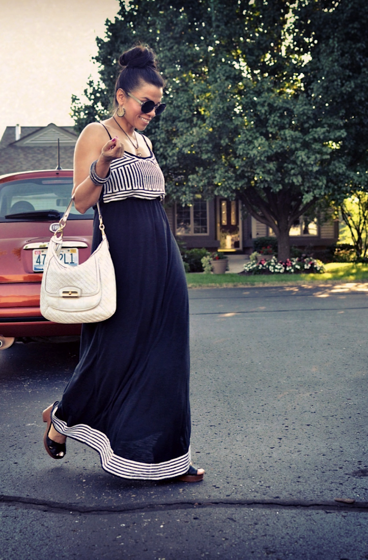 BLACK AND WHITE MAXI DRESS OUTFIT