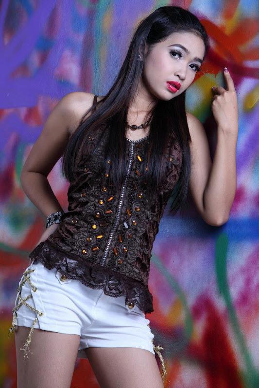 Myanmar sexy love