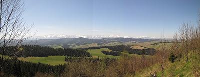 Panorama Tatr z grzbietu góry Żar