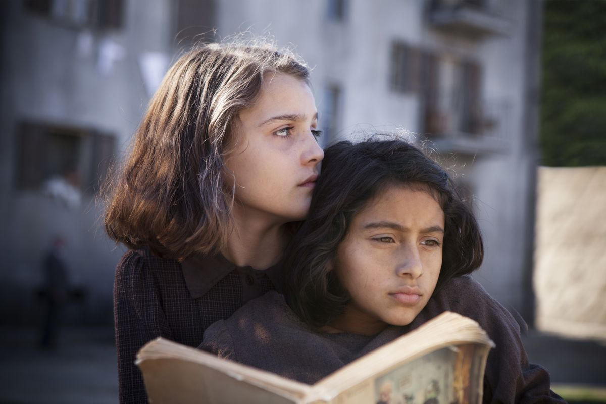 Lenù y Lila en 'My Brilliant Friend'