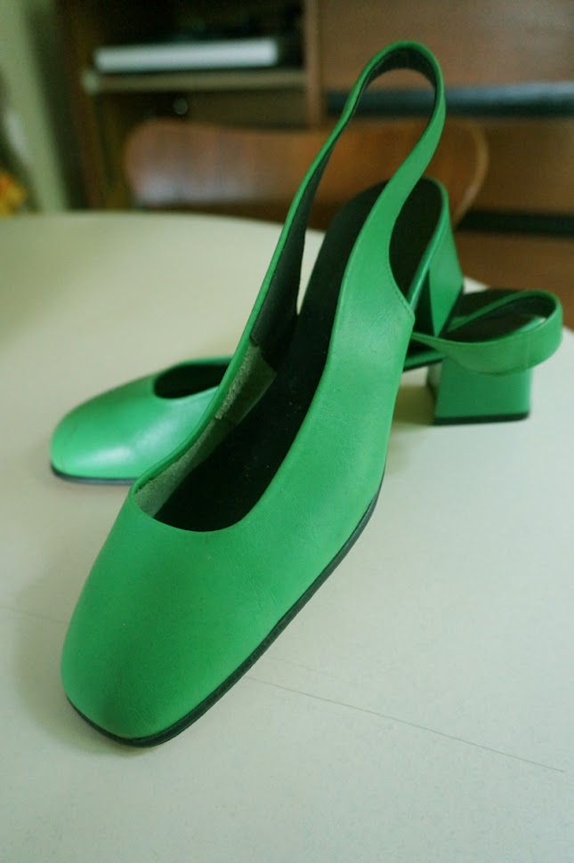 vintage 60s 70s bright green slingback shoe chunky heels mod twiggy 1960 1970
