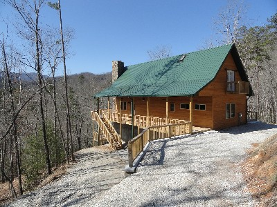 Contemporary Cabin With Mountain Views   2 Bedrooms, 2 Baths, Sleeps Up To  6. Private Lake With Fishing. Large Deck, Fireplace, Full Modern Kitchen.