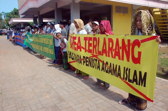 Foto Aksi Santri Madura Tolak Keberadaan Penganut Syiah
