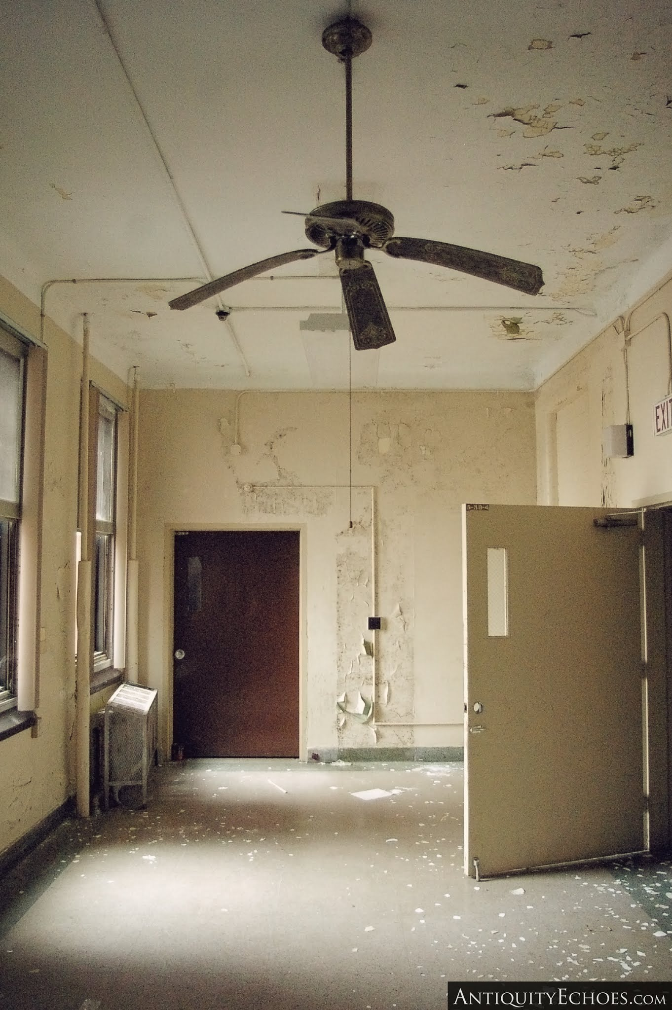 Overbrook Asylum - Sad Ceiling Fan
