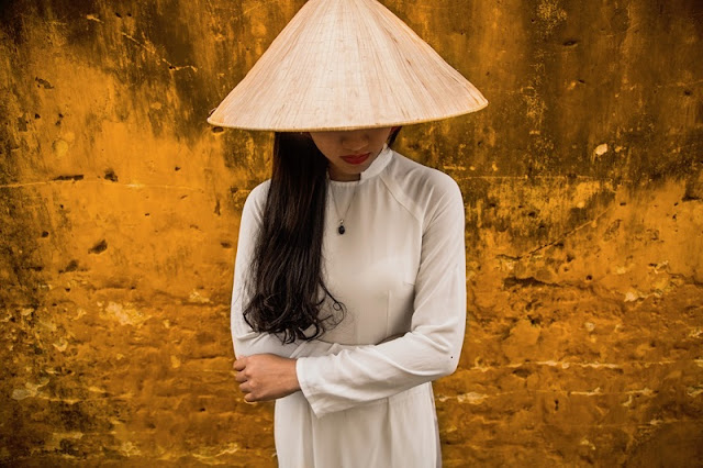 Photographs of Hoi An by photographer Réhahn in top Travel Magazine in UK 3