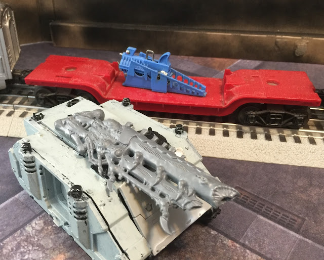 Looted Space Marine Tank; 40K Train with Kannon; Ork Plasma