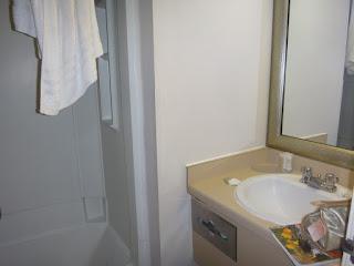 banheiro - hotel super 8 westminster denver