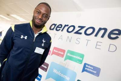 Ledley King helps kids choose an aviation career
