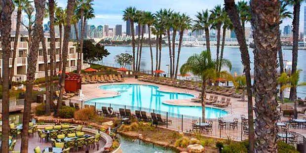 Enhance your time in the San Diego area with a stay at Coronado Island Marriott Resort & Spa. Luxury amenities, spacious hotel rooms and chic venues await.