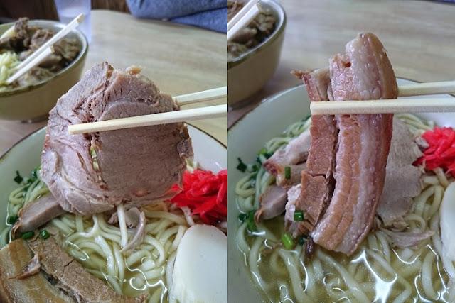 チャーシューと三枚肉の写真