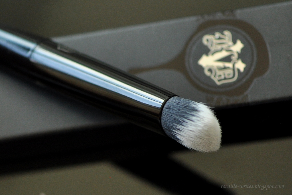 Rocaille Writes New Staple Kat Von D Lock It Concealer