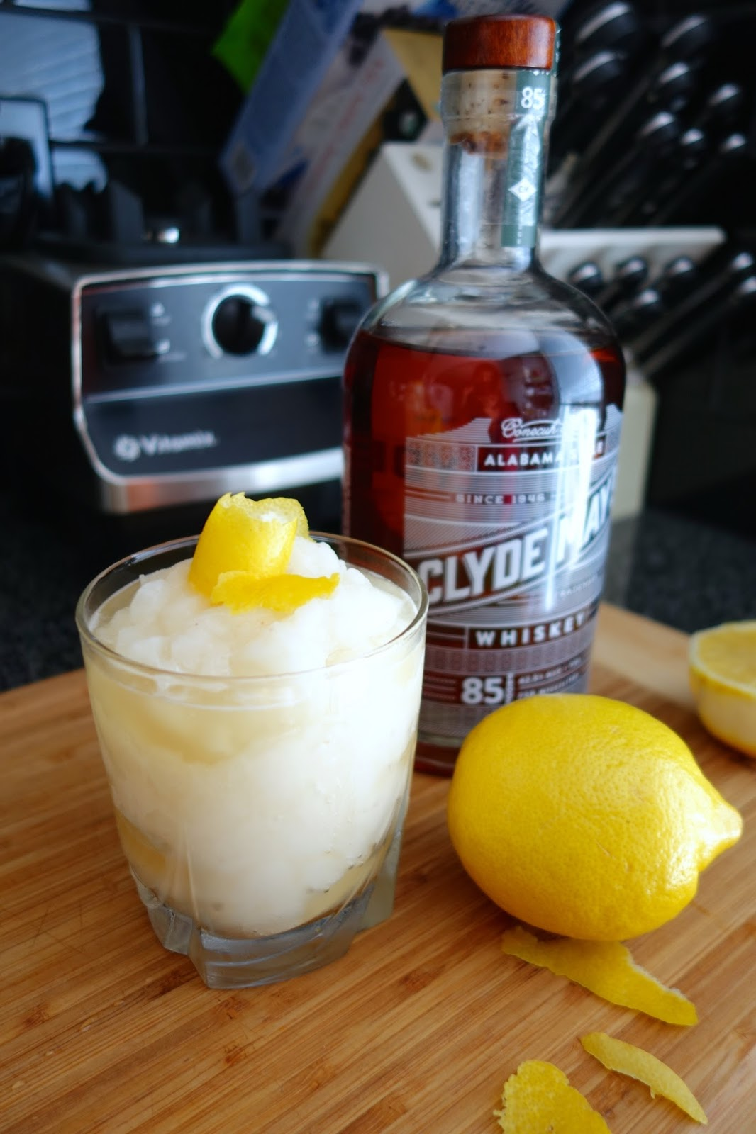 Whiskey Lemon Rita boozy drink recipe