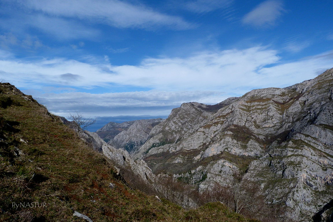 Valle del Sella dirección a Amieva Asturias