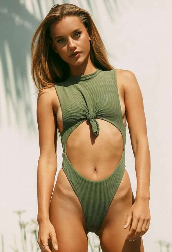 Chase Carter – Frankies Bikinis 2019 Resort Look Book