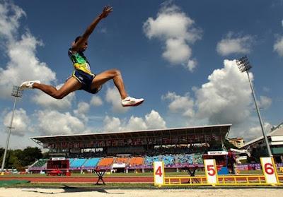 Lompat Jauh : Pengertian, Teknik Dasar Lompat Jauh