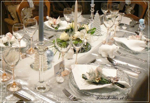 fourchettes et porcelaine table no l grand nord. Black Bedroom Furniture Sets. Home Design Ideas